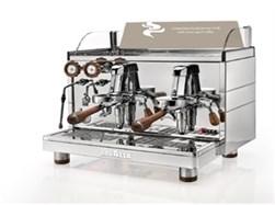 Lækker espressomaskine til både kapsler og bønner